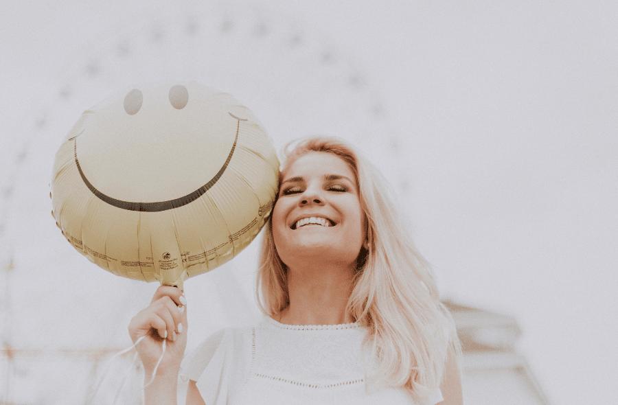 suplimente pentru femei cu vitamine esentiale pentru fericirea femeilor
